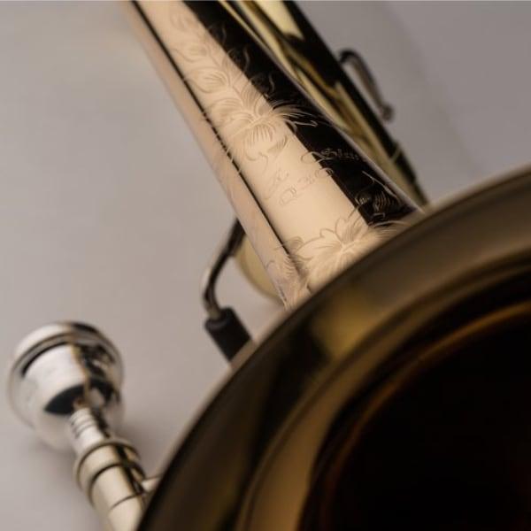 SHIRES MODEL Q30GA TROMBONE detaljer gravyr